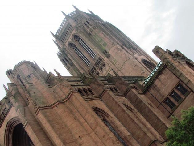 Vista externa da Catedral de Liverpool<br />foto Ana Paula Spolon