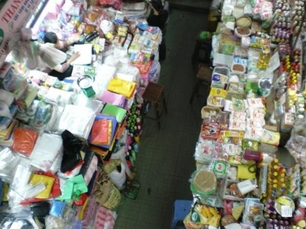 Corredor do mercado em Danag<br />Foto Lucia Maria Borges de Oliveira