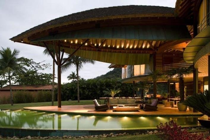 Casa Folha, Angra dos Reis RJ. Mareines + Patalano Arquitetura, 2008<br />Foto Leonardo Finotti
