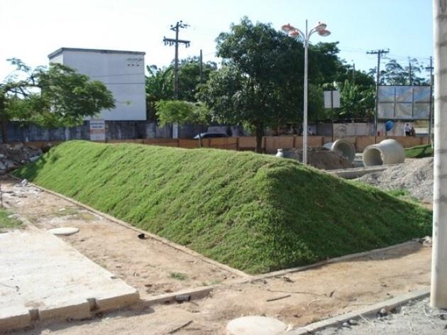 Vista da Praça Catatau - morrotes<br />Imagem dos autores do projeto
