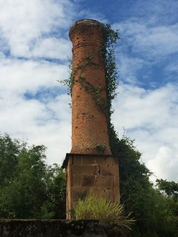 Chaminé de um dos altos fornos na Fazenda Ipanema em Iperó SP<br />Foto Bianca Siqueira Martins Domingos