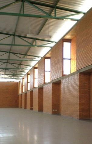 Cootrapar – cooperativa de trabajadores de aceros del paraguay. Interiores: modulo Z. Arq. Luis Alberto Elgue y Arq. Cynthia Solis Patri. Villa Hayes, Paraguay. 2007 – 2008.