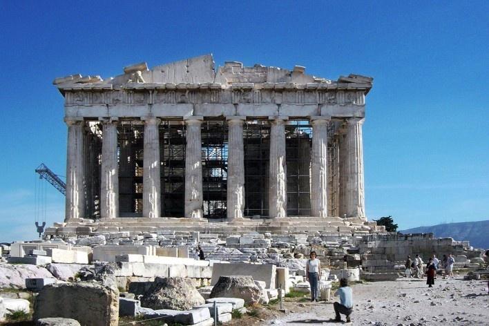 Alexandrina Mori no Parthenon, Athenas, Grécia, 2003<br />Foto Victor Hugo Mori