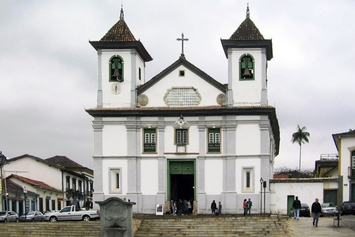 Vista geral da Sé de Mariana e Praça Cláudio Manoel<br />Foto Eliane Lordello