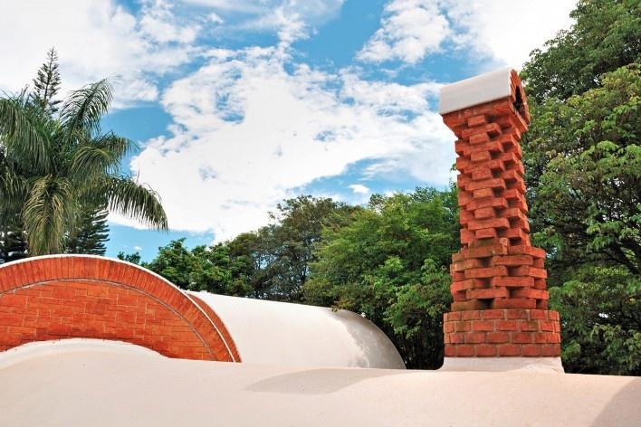 Residência dos Padres Claretianos, Batatais SP Brasil, 1984. Arquitetos Affonso Risi e José Mario Nogueira<br />Foto Wagner Abrahão Jr, 2011