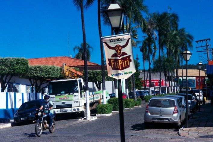 Aspecto do trânsito de veículos no conjunto urbano<br />Foto Fabio Lima