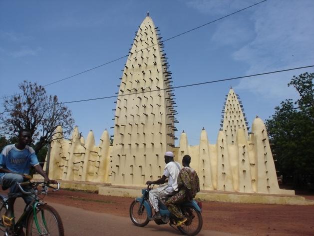 Mesquita de Bobô, Burkina-Faso<br />Foto Renato Barbieri