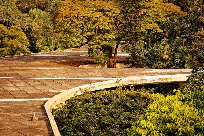 Marquise do Ibirapuera, exposição Arquitetura Brasileira – Viver na Floresta, curadoria de Abilio Guerra<br />Foto Pedro Kok