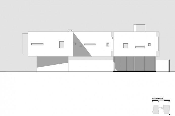 Casa 2V, elevação Leste, Porto Alegre RS Brasil, 2013. Arquitetos Diego Brasil e Anderson Calvi / BR3 Arquitetos<br />Imagem divulgação  [BR3 Arquitetos]