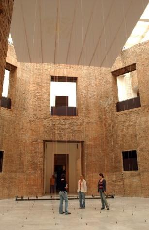 Garoa Modernista, Octógono da Pinacoteca, São Paulo, 2005<br />Foto Rômulo Fialdini