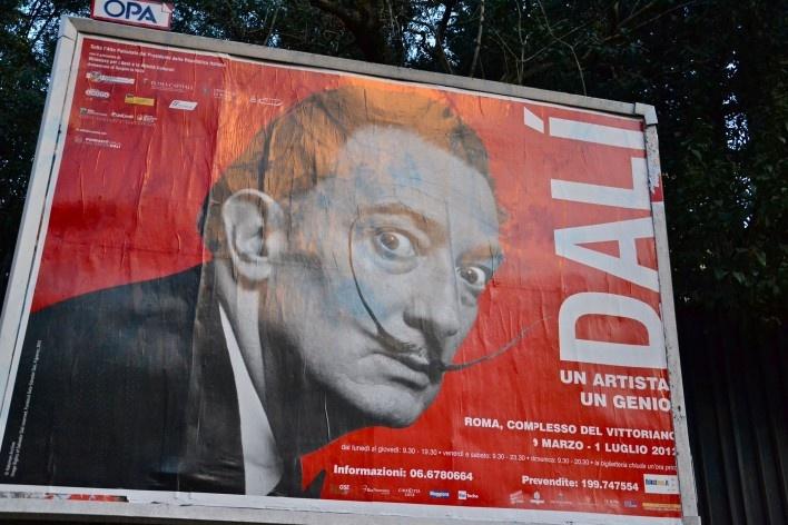 Contaminações, painel publicitário sobre exposição de Dali no centro urbano de Roma<br />Foto Fabio José Martins de Lima