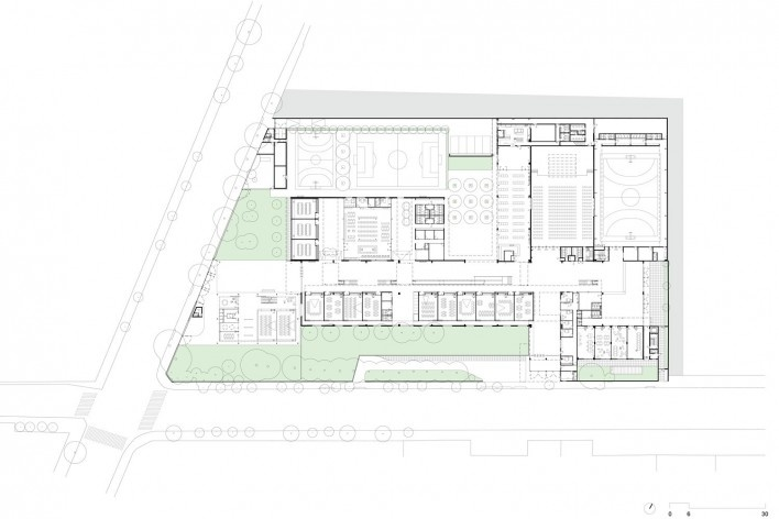 Beacon School's new headquarters, ground floor plan, São Paulo SP Brasil, 2016. Architects Vinicius Andrade, Marcelo Morettin, Marcelo Maia Rosa and Renata Andrulis / Guido Otero and Ricardo Gusmão (authors) / Andrade Morettin Arquitetos / Gusmão Otero Ar<br />Imagem divulgação / disclosure image  [Andrade Morettin Arquitetos / Gusmão Otero Arquitetos Associados]