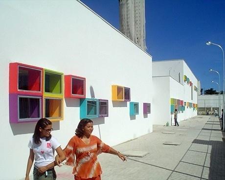 Fachada oeste - janelas<br />Imagem dos autores do projeto