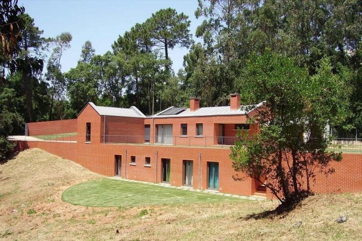 Casa no Figueiral, Alcobaça, Portugal. Arquiteto Pedro Fonseca Jorge<br />Foto divulgação