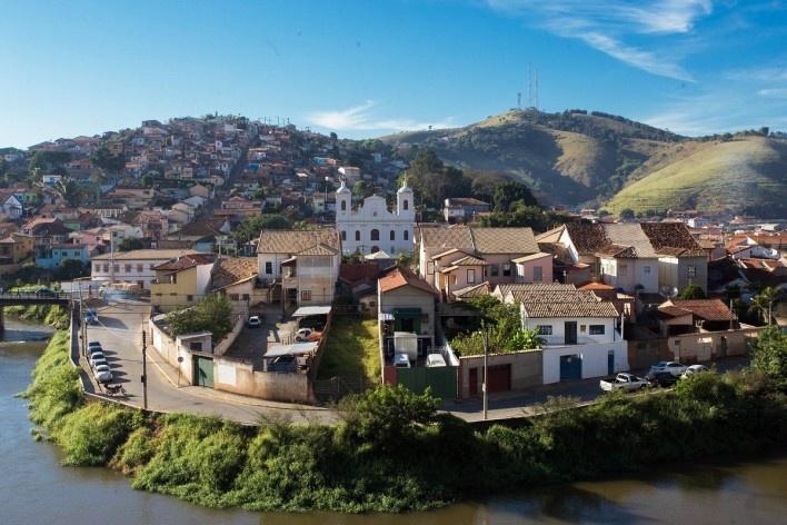Vista geral da cidade, com a Igreja Matriz ao centro<br />Foto Diogo Moreira  [Wikimedia Commons]