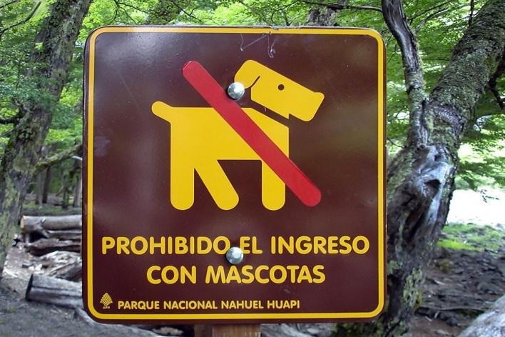 Placa em Bariloche, Argentina<br />Foto Michel Gorski