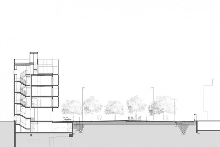 Conjunto Habitacional Fira de Barcelona – L'Hospitalet de Llobregat, corte do edifício e praça, Barcelona 2009. ONL Arquitectura<br />Imagem divulgação