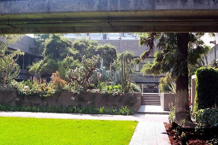 Local da inserção do Diamente pela proposta do Arquiteto Paulo Bruna para reforma do Edifício Cepal, em Santiago do Chile. 2010.<br />foto Paulo Bruna