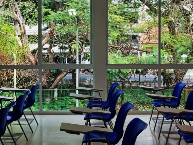 Centro de capacitação dos profissionais da educação Dra. Zilda Arns. Sala de aula, Carolina Penna Arquitetura e Urbanismo, 2008 – 2011. São Caetano do Sul, SP - Brasil<br />foto Nelson Kon