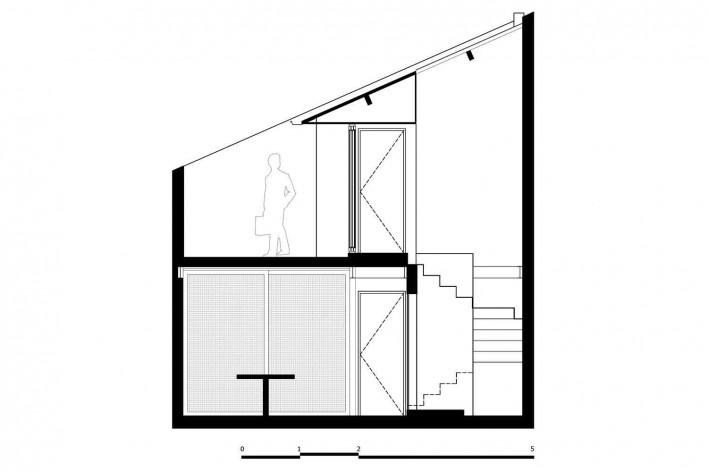 Casa 711H, corte BB, Brasília, 2017. Arquitetos Daniel Mangabeira, Henrique Coutinho e Matheus Seco<br />Desenho divulgação