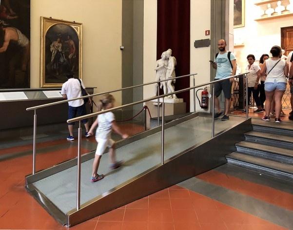 Rampa na Galleria Dell'Accademia, Florença<br />Foto Larissa Scarano, 2018