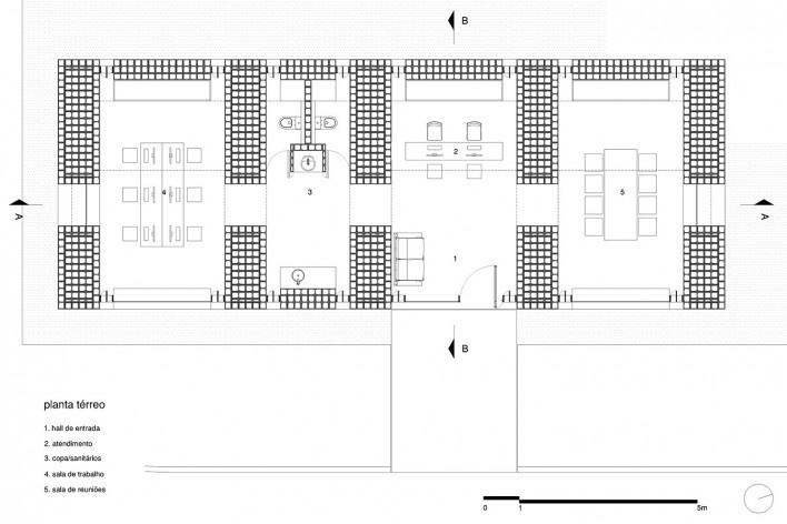 Sede de uma Fábrica de Blocos, planta térreo, Avaré SP Brasil, 2015. Arquitetos André Nunes, Anna Juni, Enk te Winkel e Gustavo Delonero (autores) / Vão Arquitetura<br />Imagem divulgação  [Acervo Vão Arquitetura]