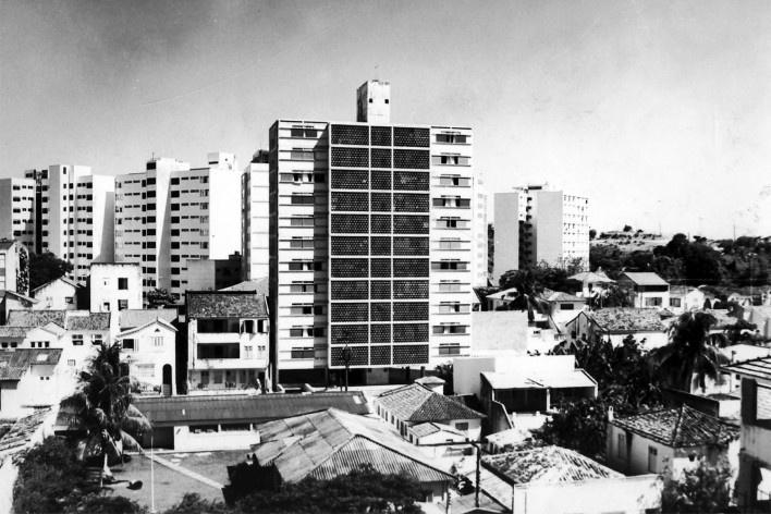 Edifício Osório de Carvalho, Salvador BA, 1968<br />Foto divulgação  [Arquivo Paulo Ormindo de Azevedo]