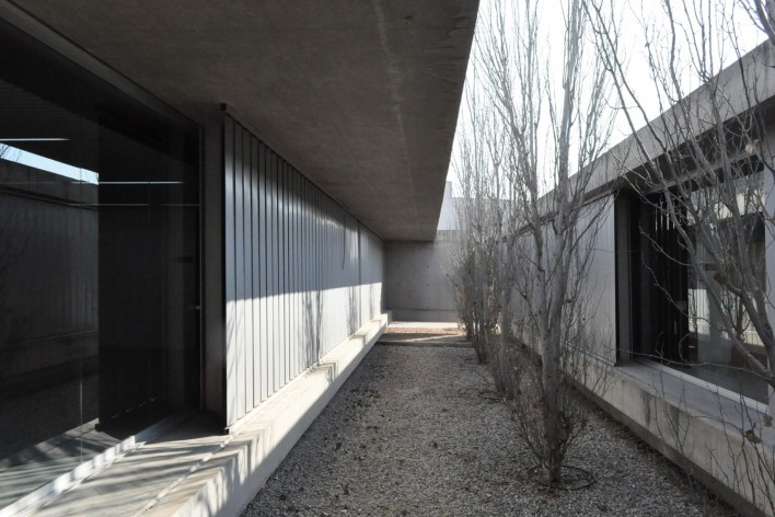 Aulário 3 (unidad de Alicante), San Vicente del Raspeig, Alicante, España, 2000. Arquitecto Javier Garcia-Solera<br />Foto Hevelyn Baer Villar