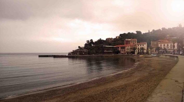 Vista de Besalu junto ao mar Mediterrâneo<br />Foto Arquiteta Tamara Roman