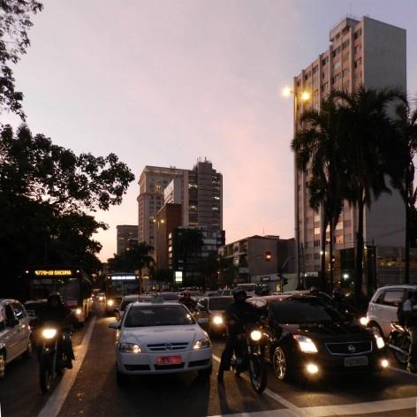 Oficina de desenho urbano MCB, avenida Faria Lima, São Paulo, 2011<br />Foto Nina Dalla