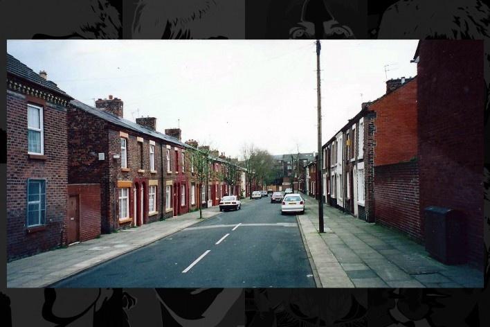 Madryn Street em 2001 todas as casas estavam ocupadas por moradores<br />Foto Victor Hugo Mori