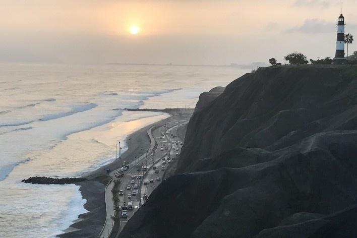 Circuito de Playas desde o Malecón Cisneros, em Lima<br />Foto José Lira