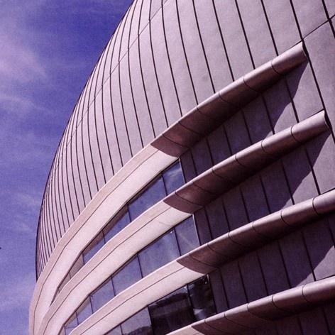 Pavilhão Atlântico, Lisboa, detalhe externo da cobertura. Arquiteto Regino Cruz + SOM<br />Foto Rui Morais de Sousa