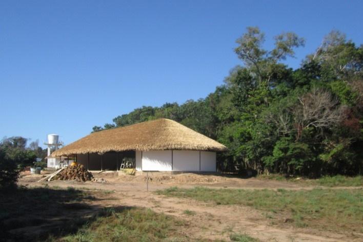 Centro Experimental Floresta Ativa - CEFA, auditório, RESEX Tapajó-Arapiuns PA. Arquiteta Cristina Xavier<br />Foto divulgação