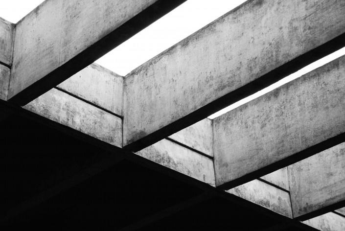 Escola Superior de Administração Fazendária – ESAF, detalhe das vigas de concreto armado, Brasília DF<br />Foto Daniel Corsi