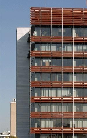 Vista fachada da rua Victoria<br />Imagens dos autores do projeto