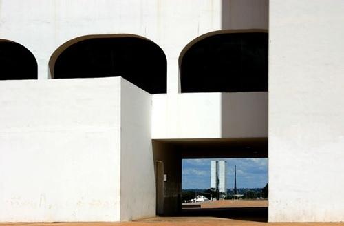 Biblioteca Nacional, com vista para o Congresso Nacional<br />Foto Sandra Godoy