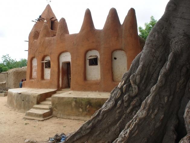 Mesquita no bairro histórico de Sekoró<br />Foto Renato Barbieri
