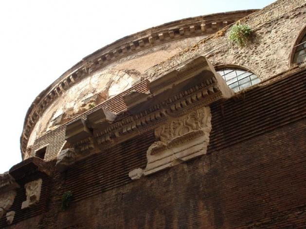 Detalhe lateral do Panteão, 118-125 d.C.<br />Foto Claudia dos Reis e Cunha