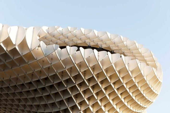 Metropol Parasol, detalhe da estrutura de madeira, Sevilha. J. Mayer H. Architects, 2004<br />Foto David Franck