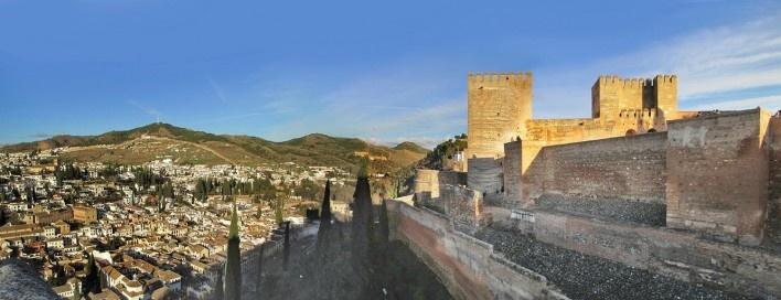 Fortaleza Palaciana de Alhambra, Granada, Espanha<br />Fotomontagem Victor Hugo Mori, 2013