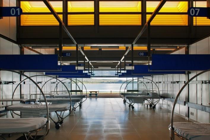 """Sarah Brasília Lago Norte, enfermagem, Brasília DF<br />Foto Nelson Kon  [LIMA, João Filgueiras (Lelé). """"Arquitetura - uma experiência na área da saúde""""]"""