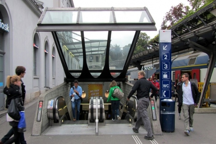 Fechamento dos pontos de acesso, que servem de canopi quando abertos<br />Foto Gabriela Celani