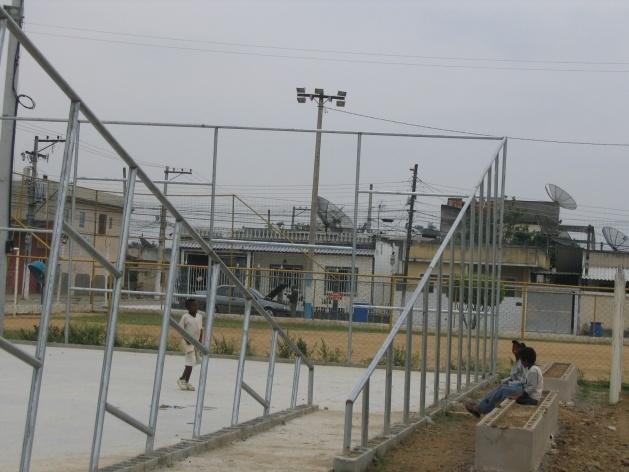 Vista da quadra em construção<br />Imagem dos autores do projeto