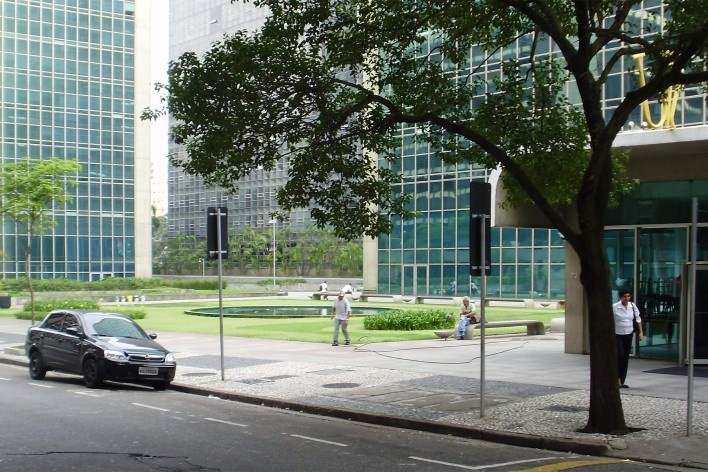 Cetenco Plaza, Alameda Ministro Rocha Azevedo, São Paulo. Arquitetos Rubens Carneiro Vianna e Ricardo Sievers<br />Foto Abilio Guerra