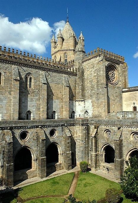 Catedral da Sé e Igreja <br />Foto Junancy Wanderley