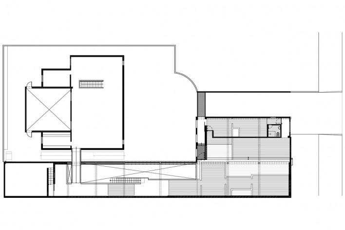 Plan drawing. Galeria Vermelho. P.M. da Rocha and Piratininga Arquitetos Associados. São Paulo, 2007<br />divulgação