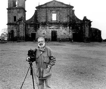 Cristiano Mascaro nas ruinas das Missões jesuíticas