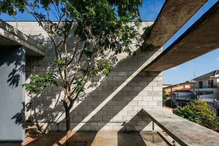 Casa Mipibu, São Paulo SP Brasil, 2015. Arquitetos Danilo Terra, Pedro Tuma e Fernanda Sakano (autores) / Terra e Tuma Arquitetos Associados<br />Foto Nelson Kon