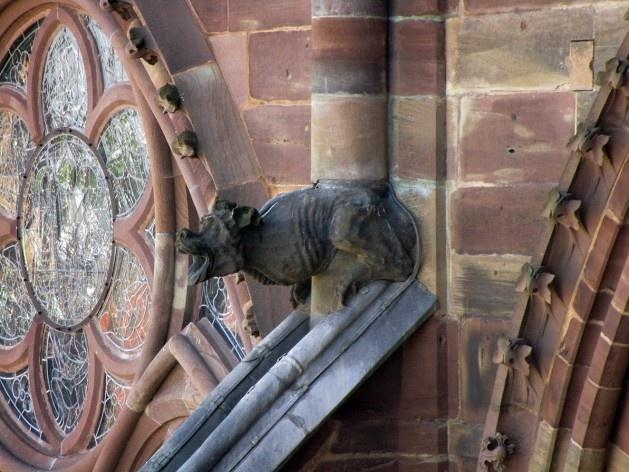Quimera na fachada da Catedral de Notre-Dame de Strassbourg<br />Foto Victor Hugo Mori
